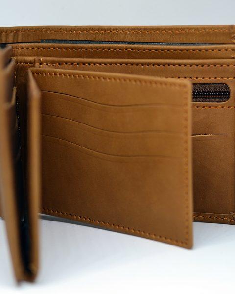 Reverse flap wallet camel (2)