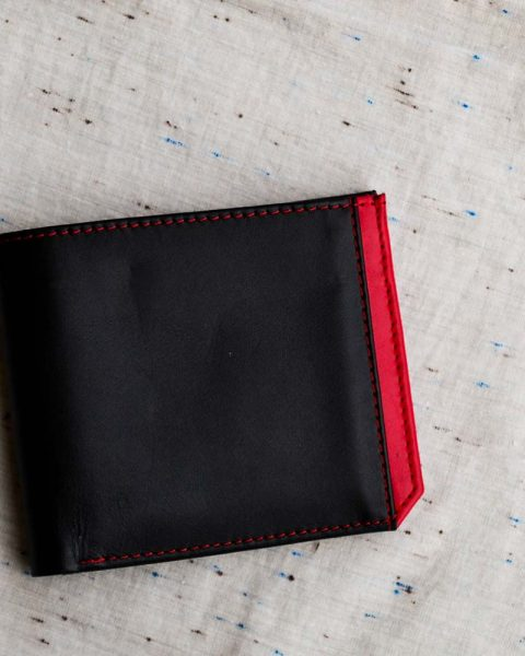 Bifold wallet with side strip black/red