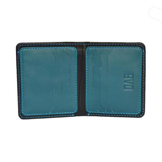 black compact wallet